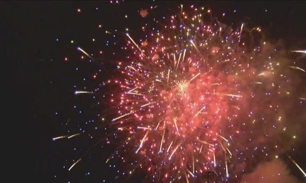 Thousands Attend 26th Annual Selma Fireworks Show_20150704063014