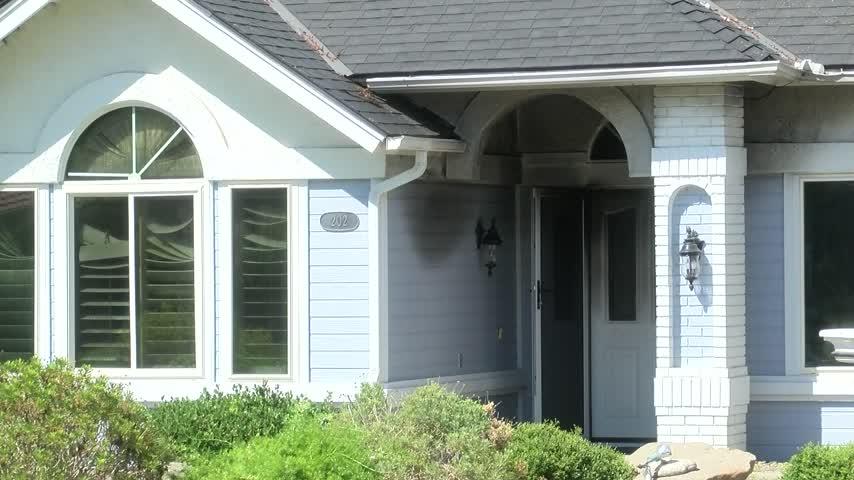 Cigarette blamed for deadly house fire_81862503