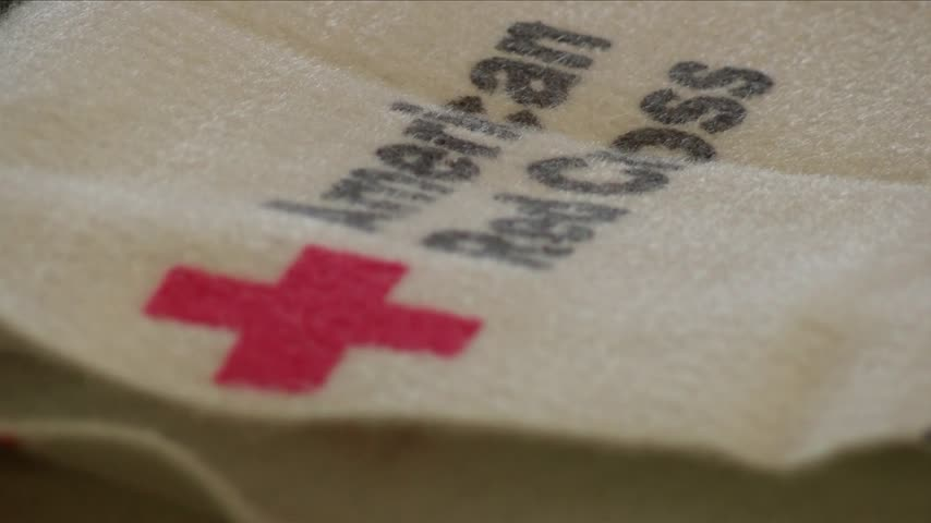 Red Cross shelters overflowing with evacuated residents_61235107