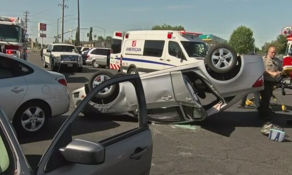 Altercation_leads_to_flipped_car__Fresno_0_20180627191427