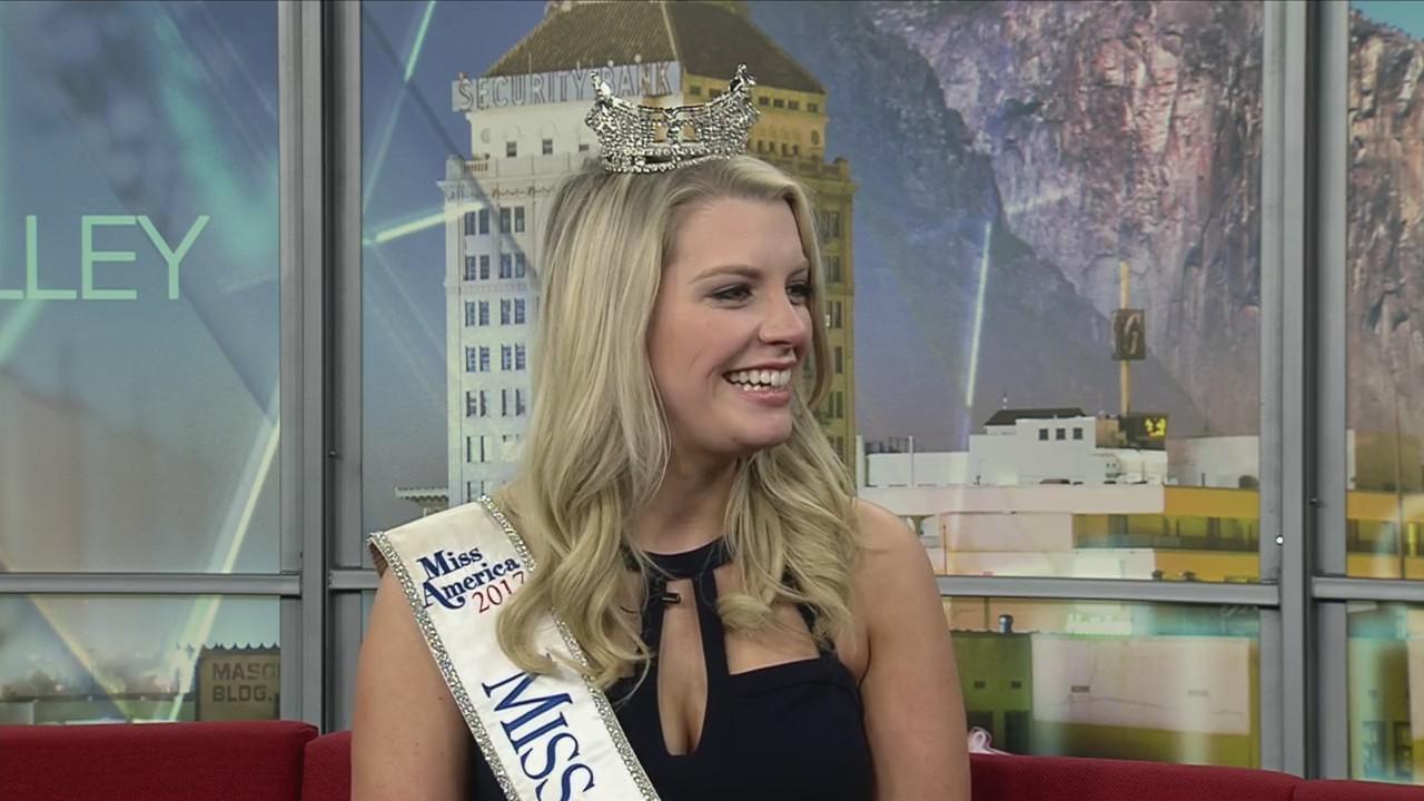 Miss California 2017 Jillian Smith Her Final Moments Wearing The Crown