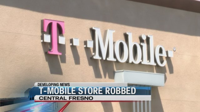 Thieves burst into T-Mobile store and take off with iPhones