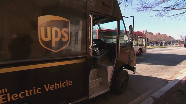 New_Mexico_UPS_drivers_honored_for_their_0_39445000_ver1.0_640_360_1537489398449.jpg