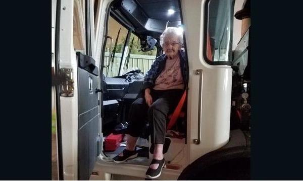 93-year-old escapes Camp Fire_1542577707769.jpg_62534869_ver1.0_640_360_1542628979913.jpg_62595080_ver1.0_640_360_1542637791334.jpg.jpg