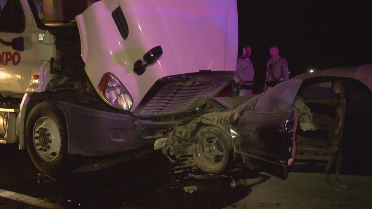 Fresno County head-on crashes: Woman dead, family injured