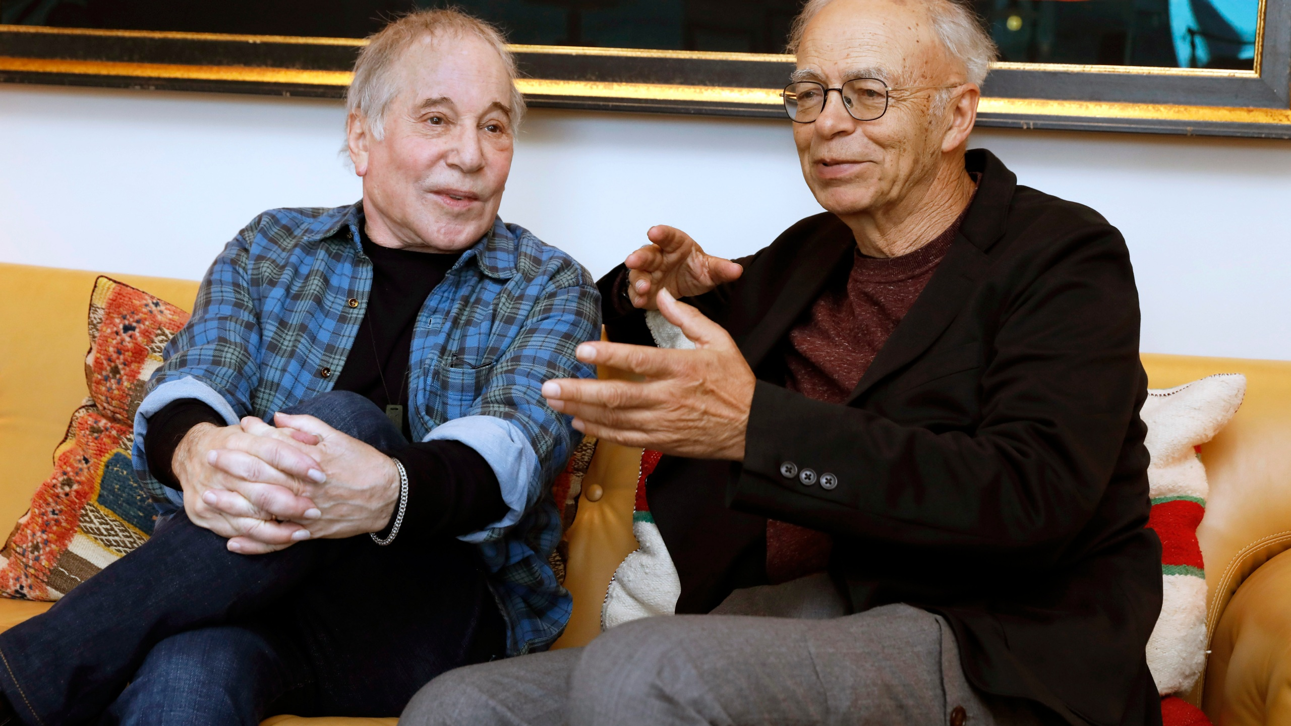 Paul Simon, Peter Singer