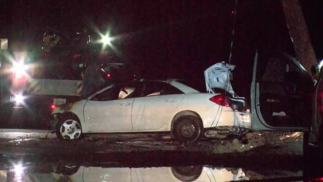 Driver crashes into a power pole. Over 200 without electricity in southwest Fresno