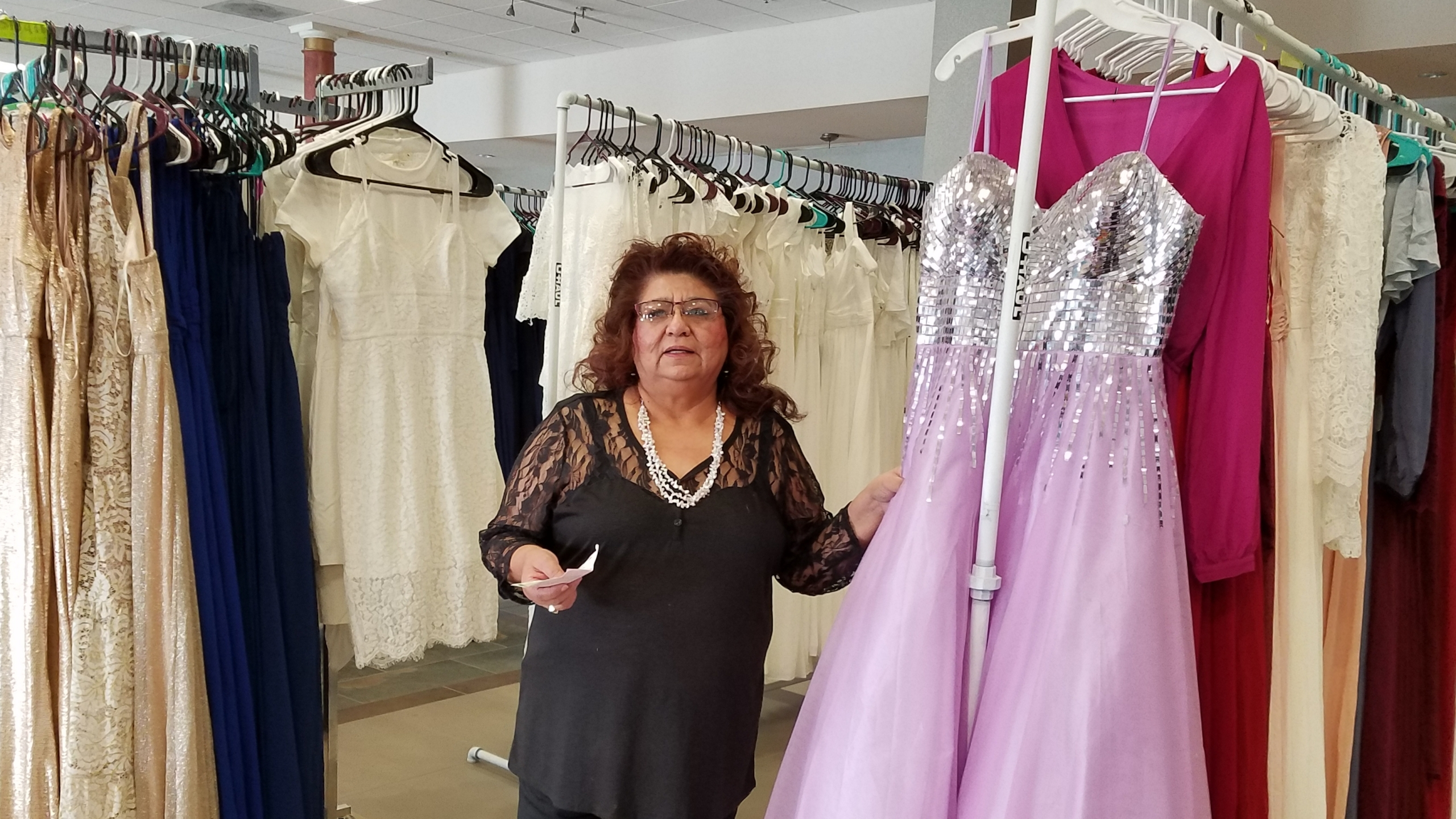Over 1,000 prom dresses will be given away in Lindsay this month