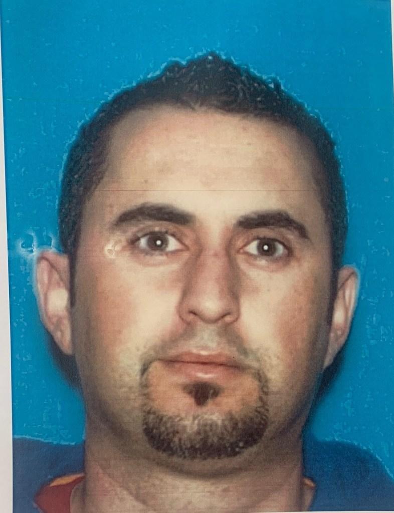 Victor Gomes, 43