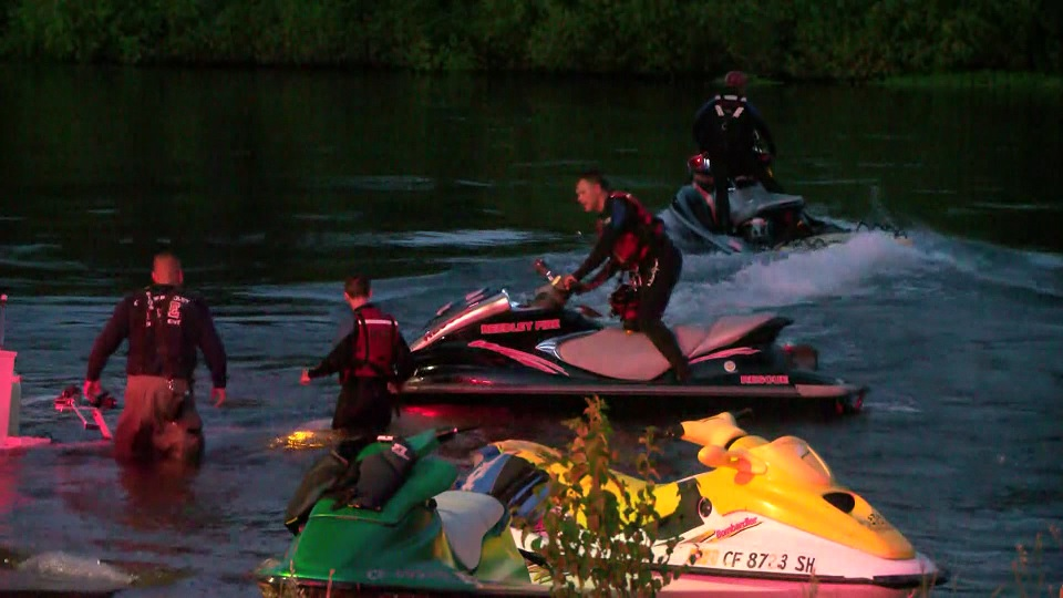 2 rescued from Kings River after they were swept away from Reedley Beach