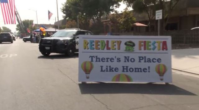 Reedley Christmas Parade 2020 Reedley holds annual Fiesta Parade in 'reverse