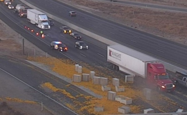 Orange spill on Hwy 99 causes delays in Tulare County