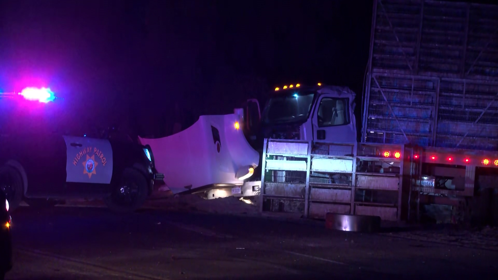 CHP: 1 dead after pickup truck runs stop sign, collides with big rig