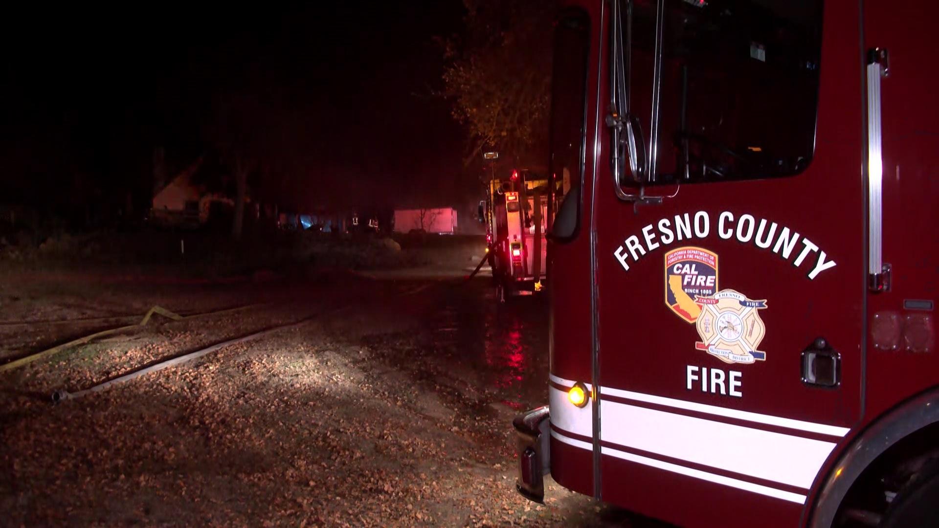Fire destroys Fresno County garage, crews save owner's home