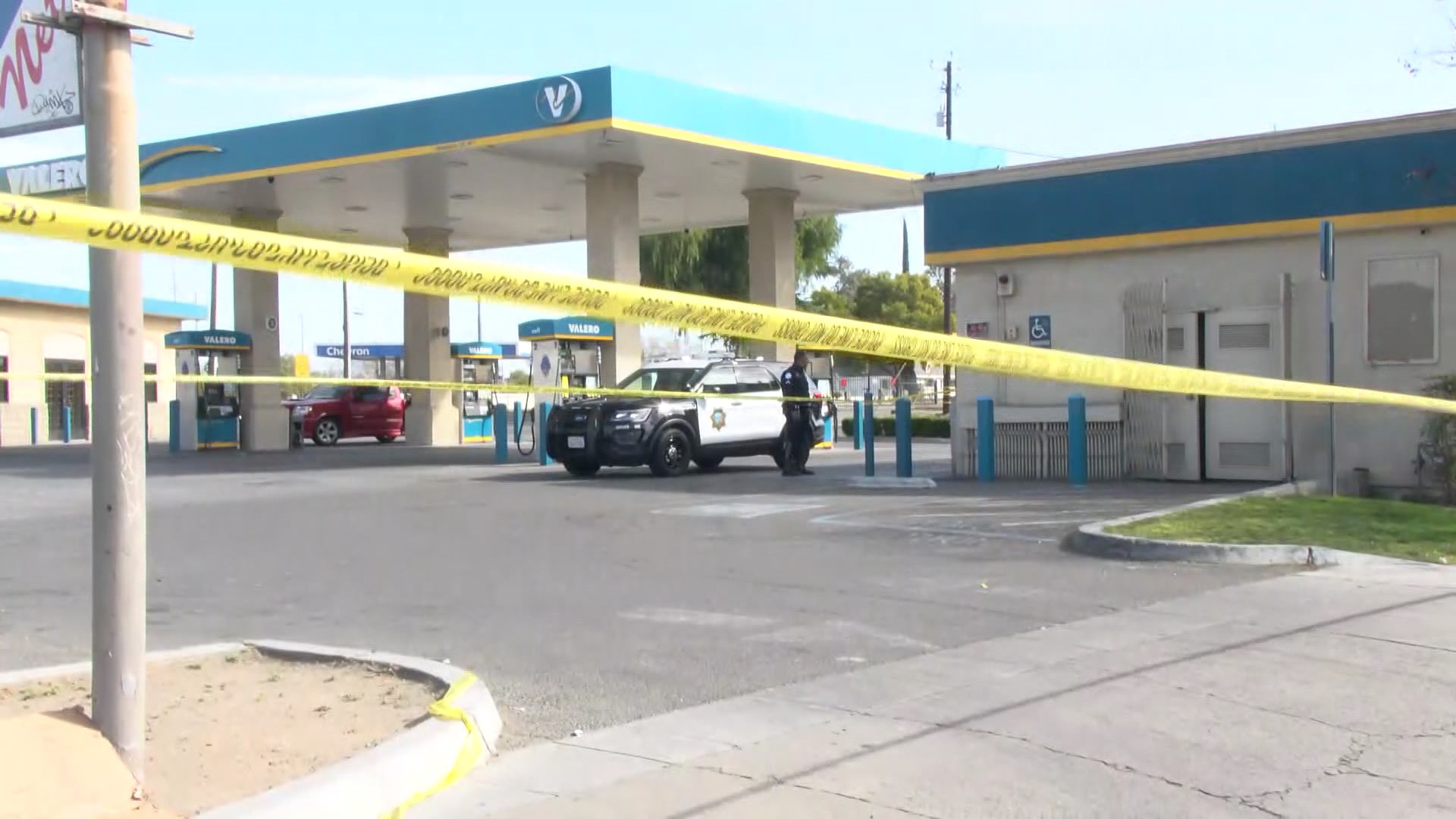 Woman stabbed outside Fresno gas station after argument with man, police say