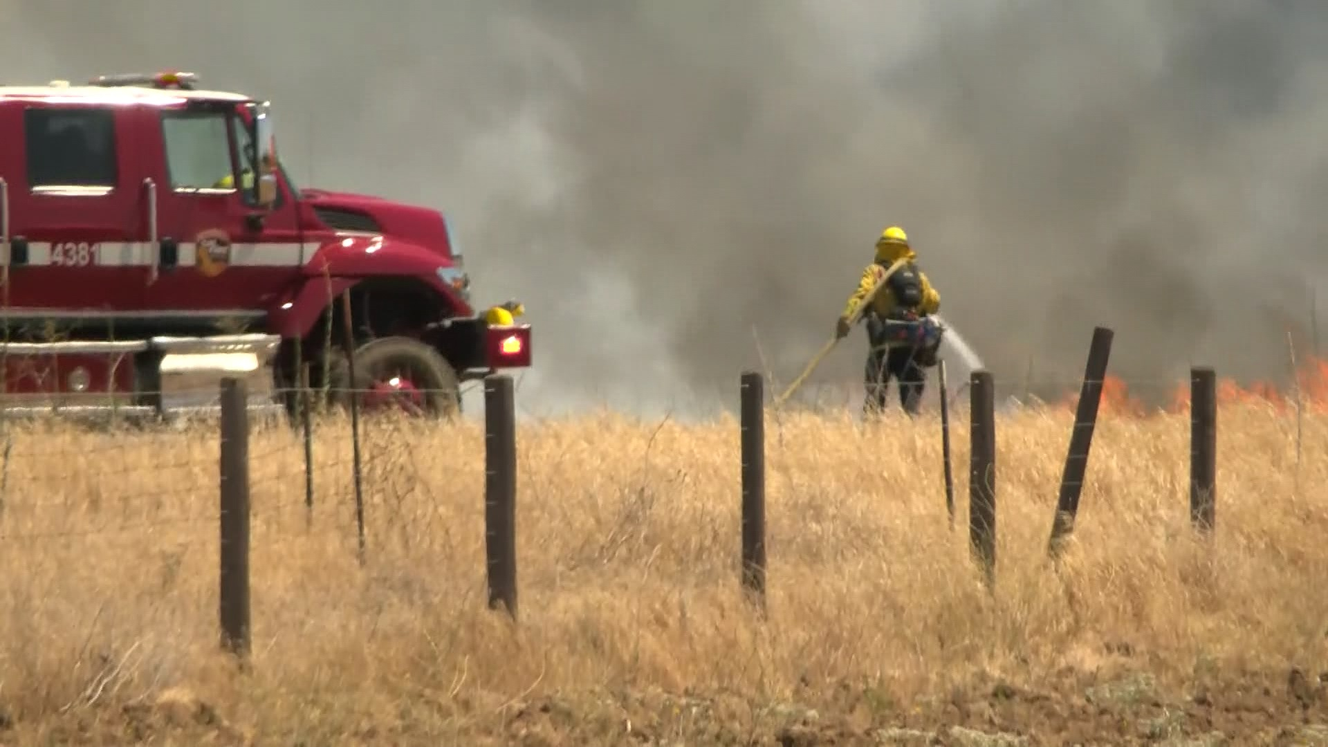 Crews respond to wildland fire outside Clovis