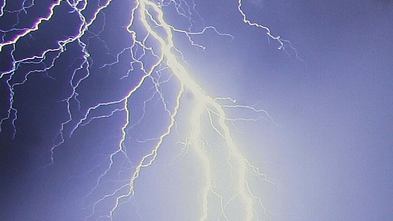 Fresno man dies after being struck by lightning on John Muir Trail, deputies say