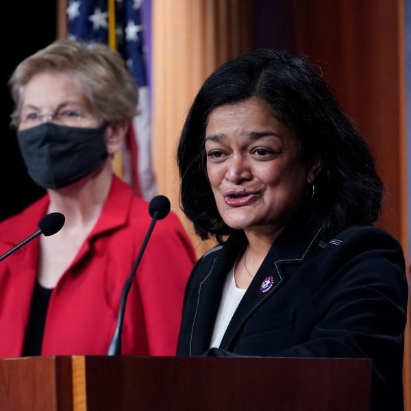 Elizabeth Warren, Pramila Jayapal